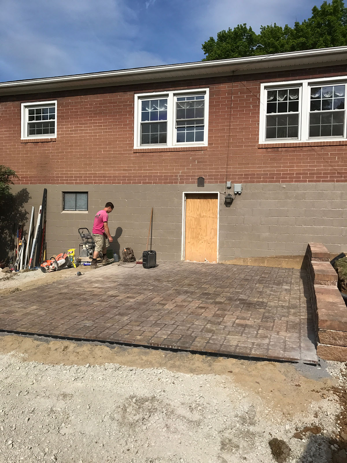 2017 Hardscape Patio Installation 1.JPG