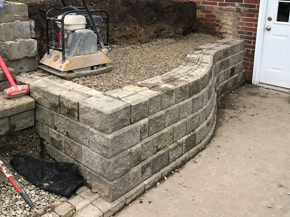 Stacked Stone Retaining Wall 3